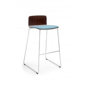 Barová dřevěná židle s čalouněným sedákem COM K22CV
